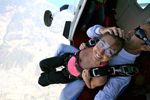 Ouverture des portes avion - saut en parachute tandem Skydive FlyZone